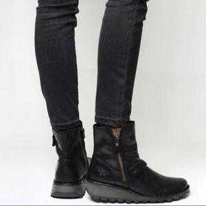FLYLondon Mon Zip Boots black leather 6